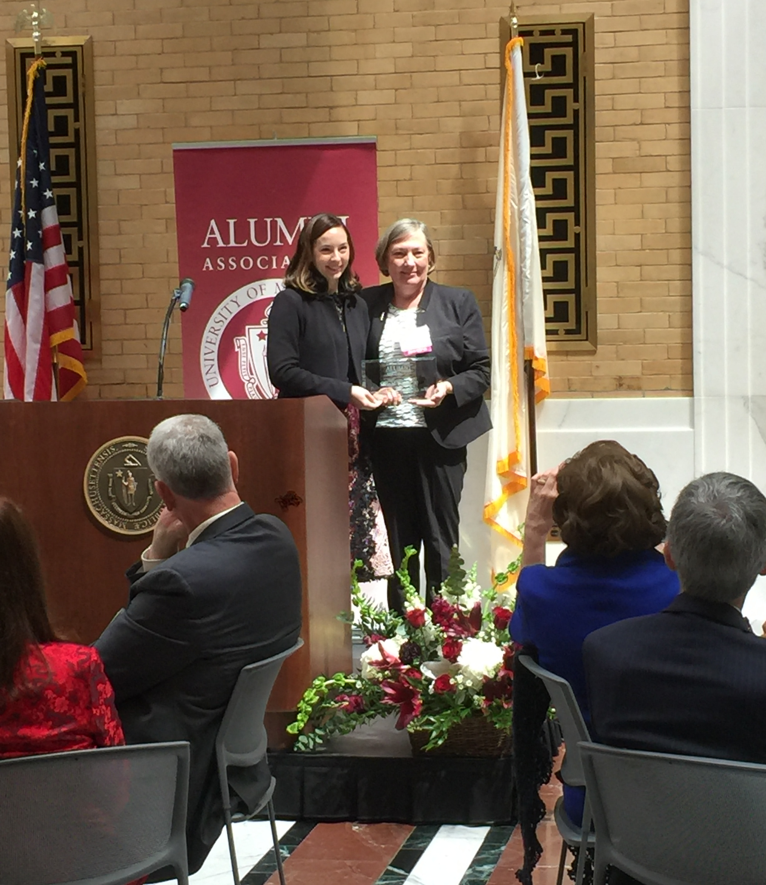 Suzin Bartley receives Distinguished Alumni Service Award